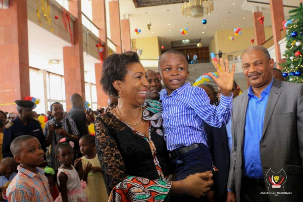 jeanine mabunda fete noel avec enfants assemblee nationale rdc