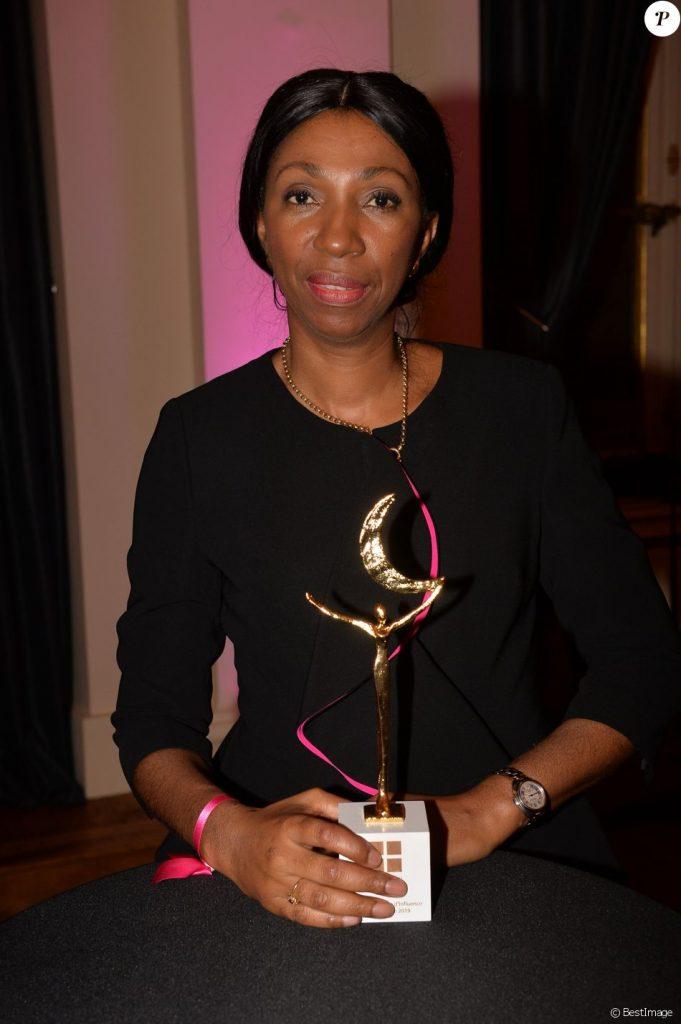 Jeanine Mabunda reçoit le prix femme d'influence
